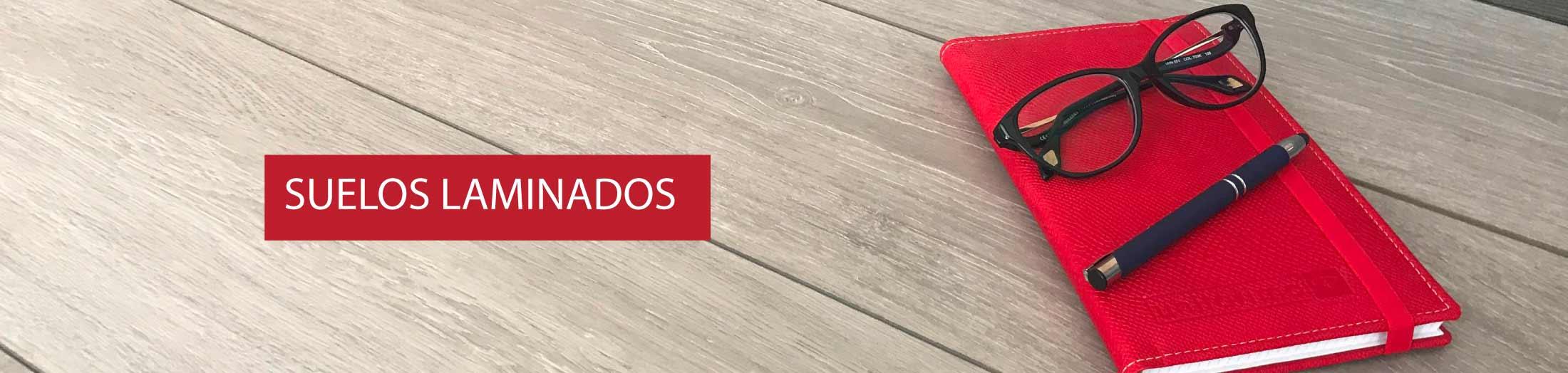 Suelos laminados particulares y profesionales pergo for Suelos laminados adhesivos